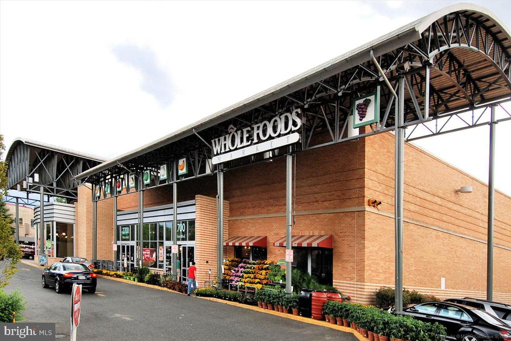 Whole Foods - 1718 N WAYNE ST, ARLINGTON