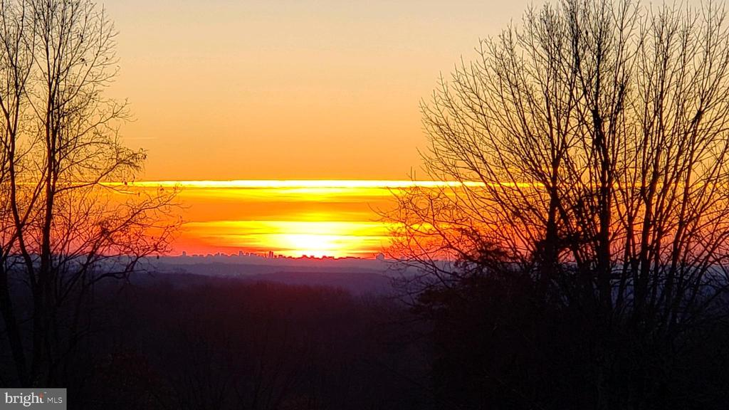 Amazing sunrises and sunsets! - 38853 MOUNT GILEAD RD, LEESBURG
