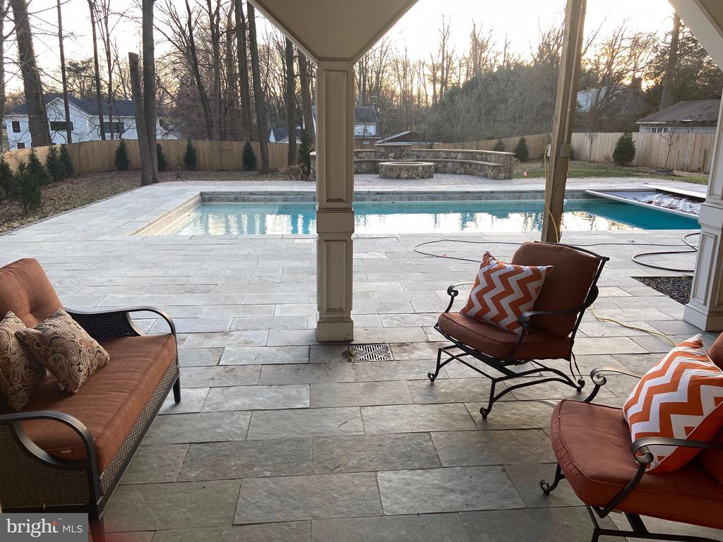 Lower 3rd Deck Steps to the Pool Area - 10713 ROSEHAVEN ST, FAIRFAX