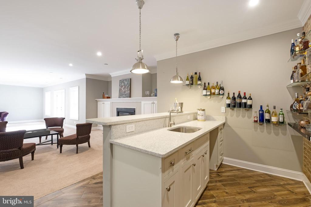WetBar with Tile floors - 10713 ROSEHAVEN ST, FAIRFAX