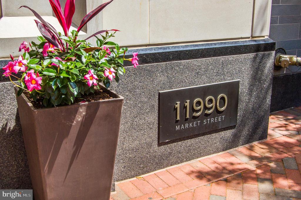 Exterior Building - 11990 MARKET ST #1301, RESTON