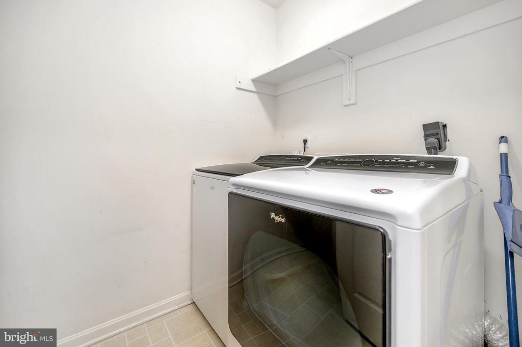 Washer and dryer convey - 4309 LAKEVIEW PKWY, LOCUST GROVE