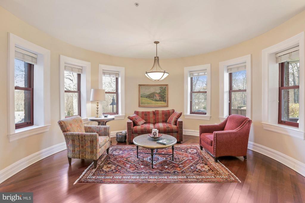 Main Living Room - 9610 DEWITT DR #PH101, SILVER SPRING