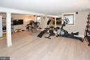 MIRRORED FITNESS AREA - 2336 ADDISON ST, VIENNA
