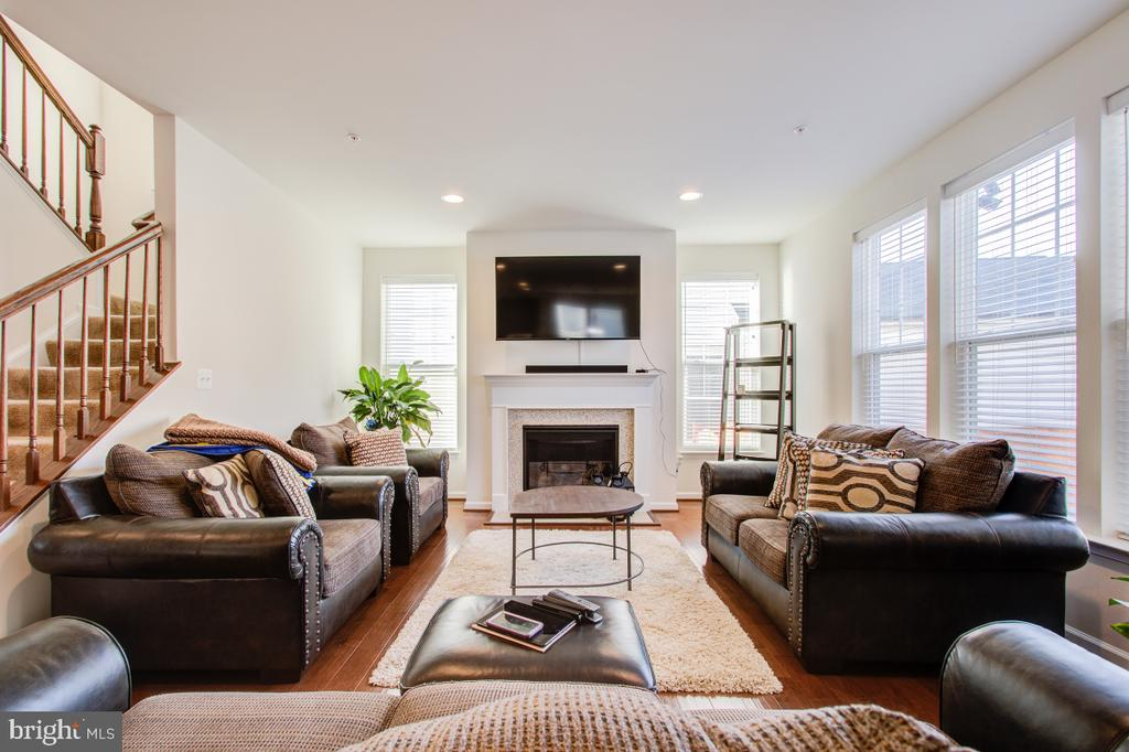 Gas Fireplace in the Family Room. - 5502 HAWK RIDGE RD, FREDERICK