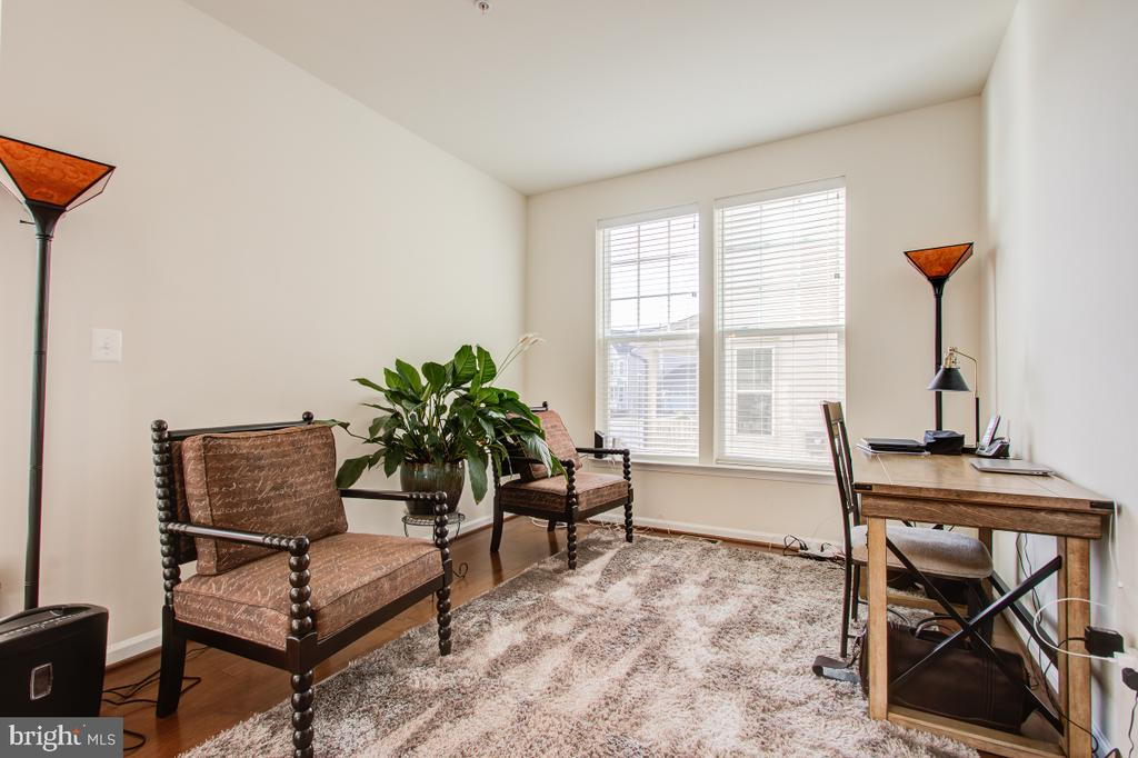 Formal Living Room or a Study - 5502 HAWK RIDGE RD, FREDERICK
