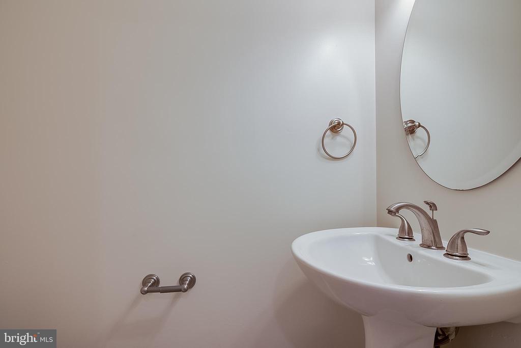 Basement half bath - 12056 WINDING CREEK WAY, GERMANTOWN