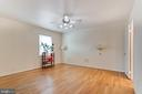 Large master bedroom - 10702 STONEYHILL DR, SILVER SPRING