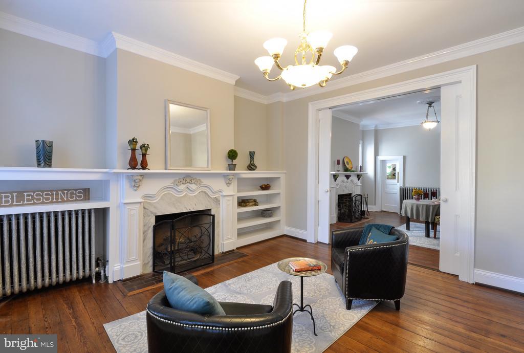 Front Living Room - 611 CAROLINE ST, FREDERICKSBURG