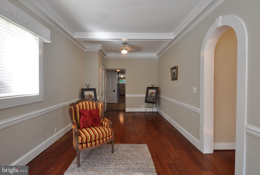 Family room - 611 CAROLINE ST, FREDERICKSBURG