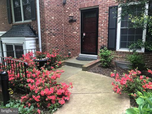 2528 S WALTER REED DR #3
