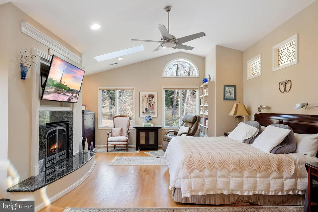 Upstairs primary bedroom addition w/ gas fireplace - 5707 ROSSMORE DR, BETHESDA