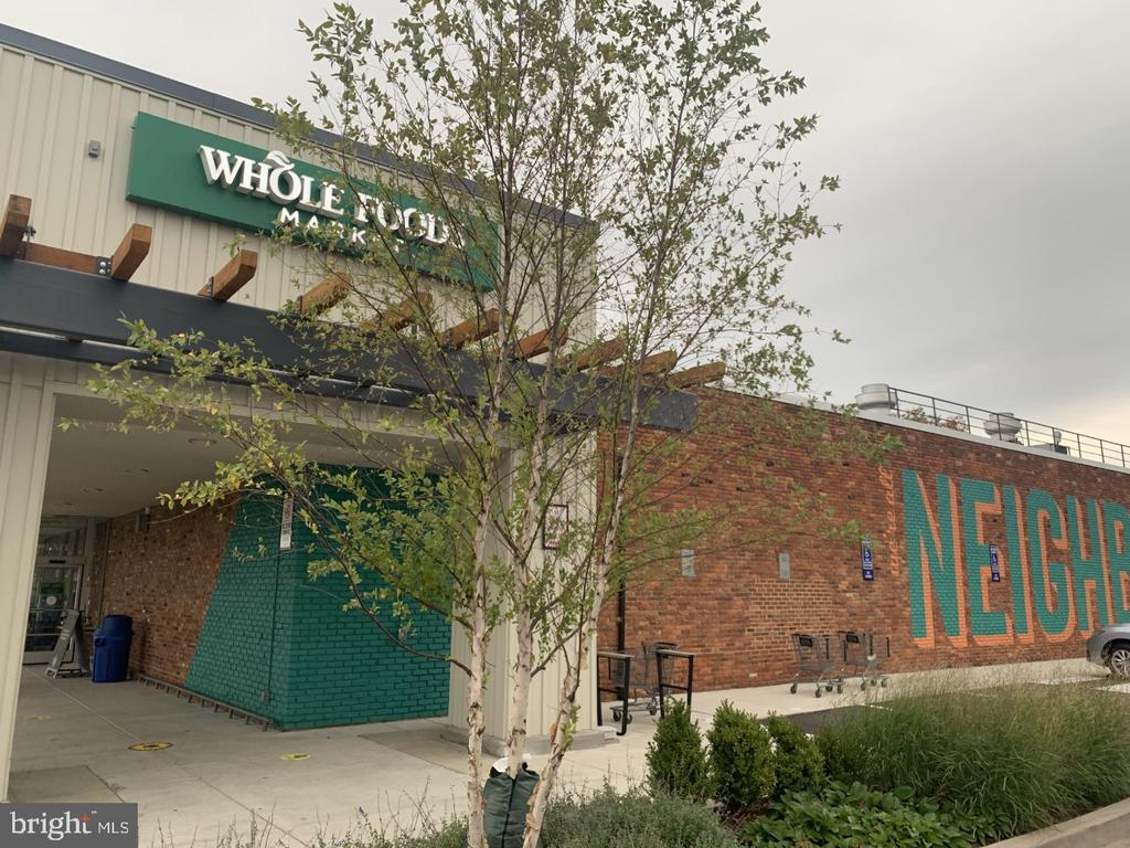 Nearby Whole Foods - 8110-E COLONY POINT RD #218, SPRINGFIELD