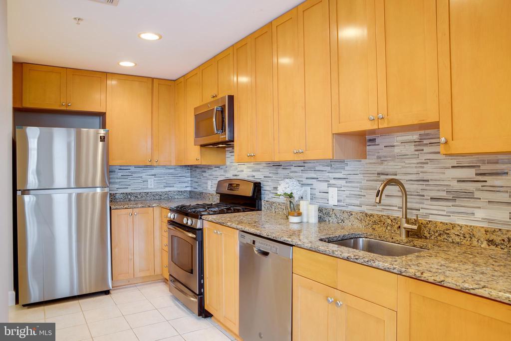 Brand new refrigerator - 3650 S GLEBE RD #639, ARLINGTON