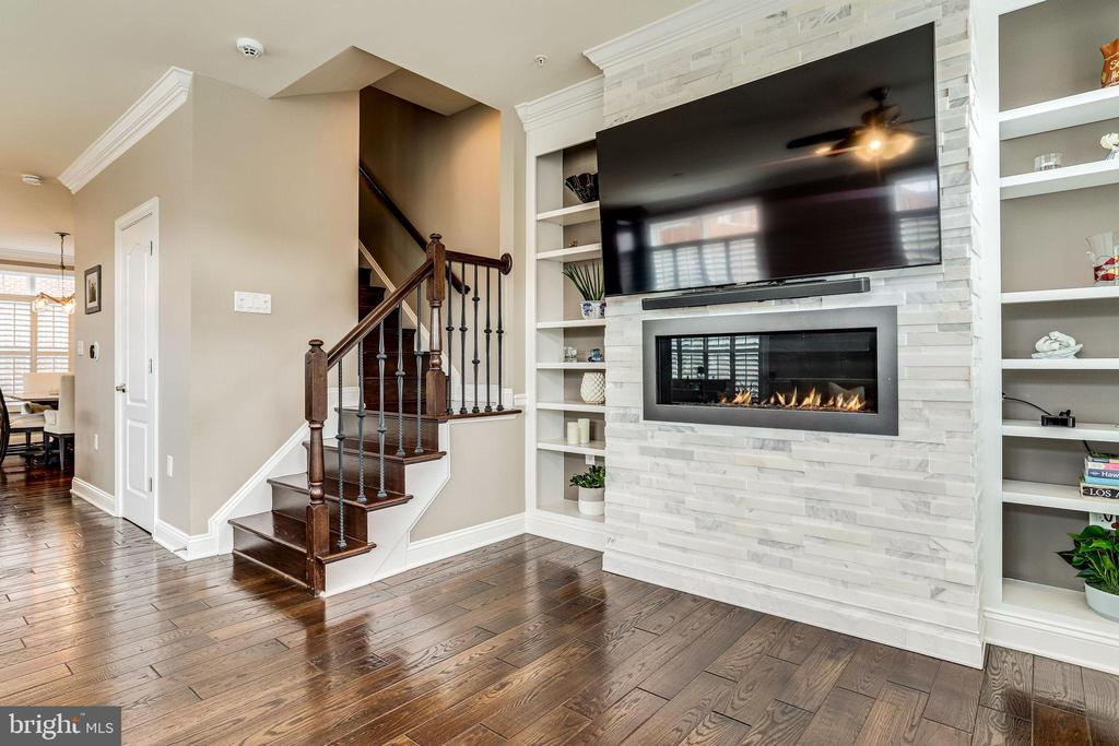 Living room to stairs to upper level 1 - 4349 4TH ST N, ARLINGTON