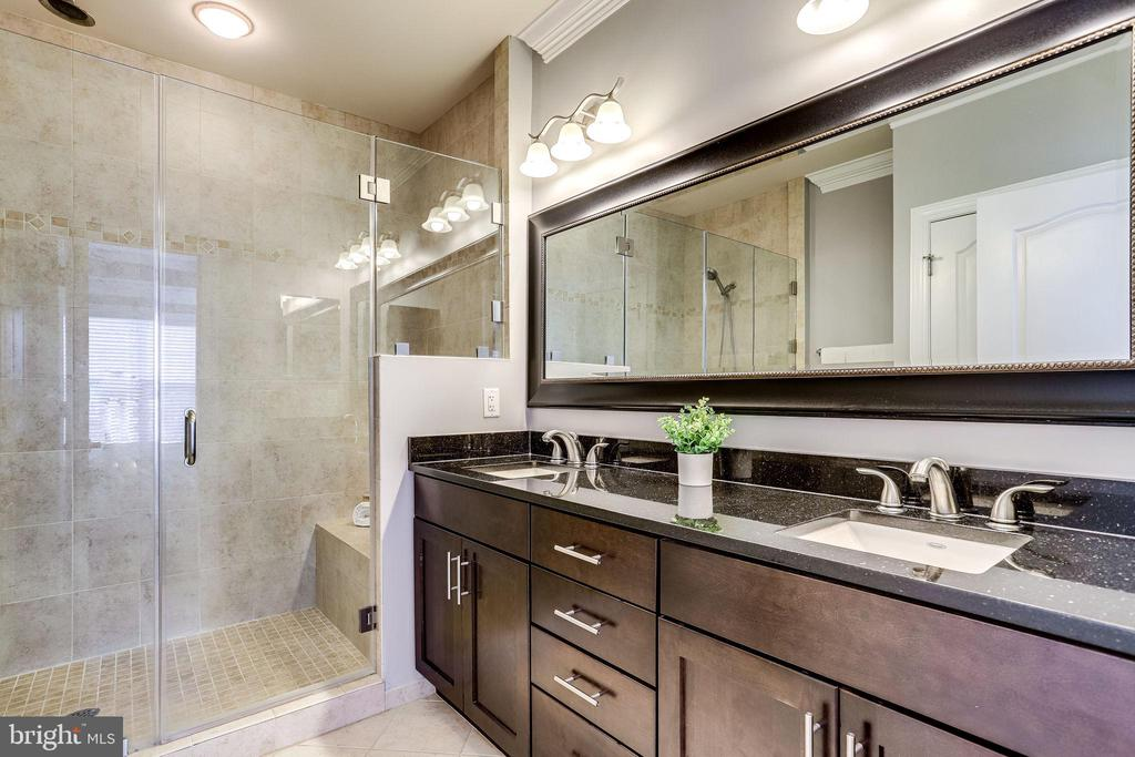 Owner's  bath with double vanities - 4349 4TH ST N, ARLINGTON