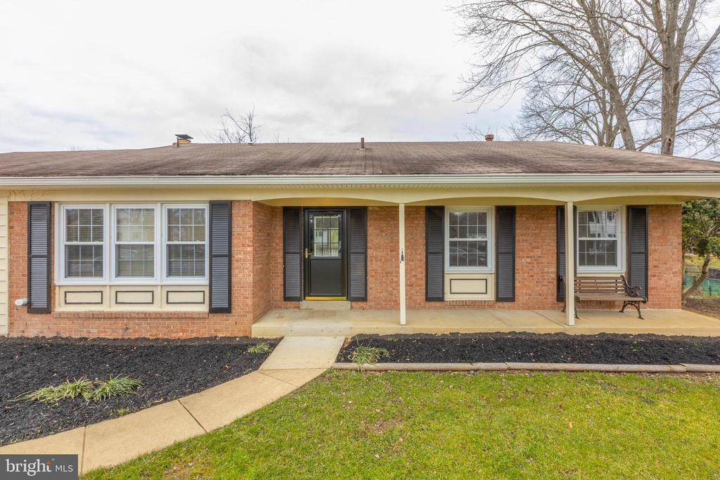 - 5602 HEREFORD CT, ALEXANDRIA