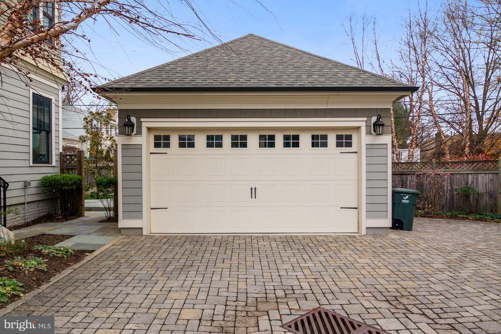 Separate 2 car garage - 491 N WAKEFIELD ST, ARLINGTON