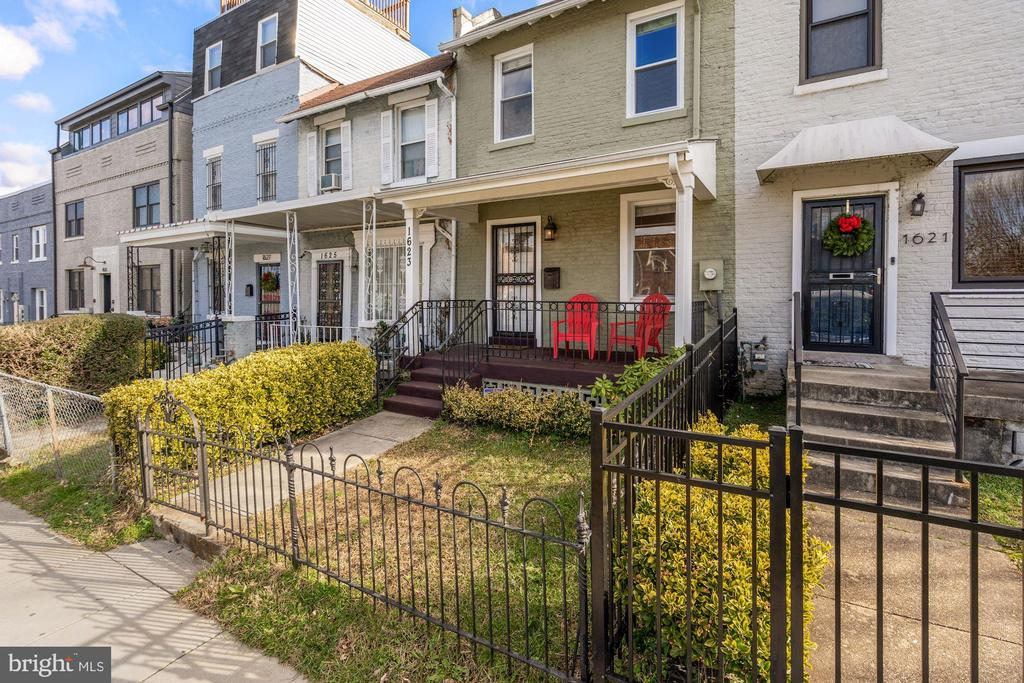 Haven't We All Dreamed of a Charming Front Porch?! - 1623 MONTELLO AVE NE, WASHINGTON