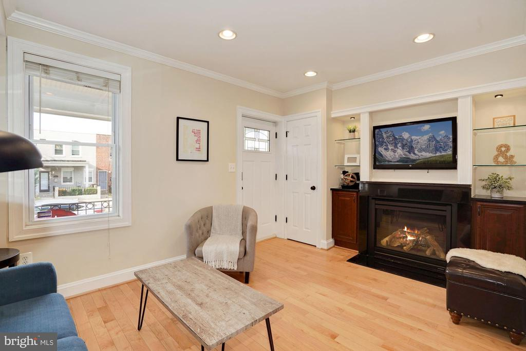 Living Room - Curl Up by the Cozy Fireplace! - 1623 MONTELLO AVE NE, WASHINGTON
