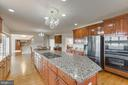 Large kitchen with enough space for a table - 41205 CANONGATE DR, LEESBURG