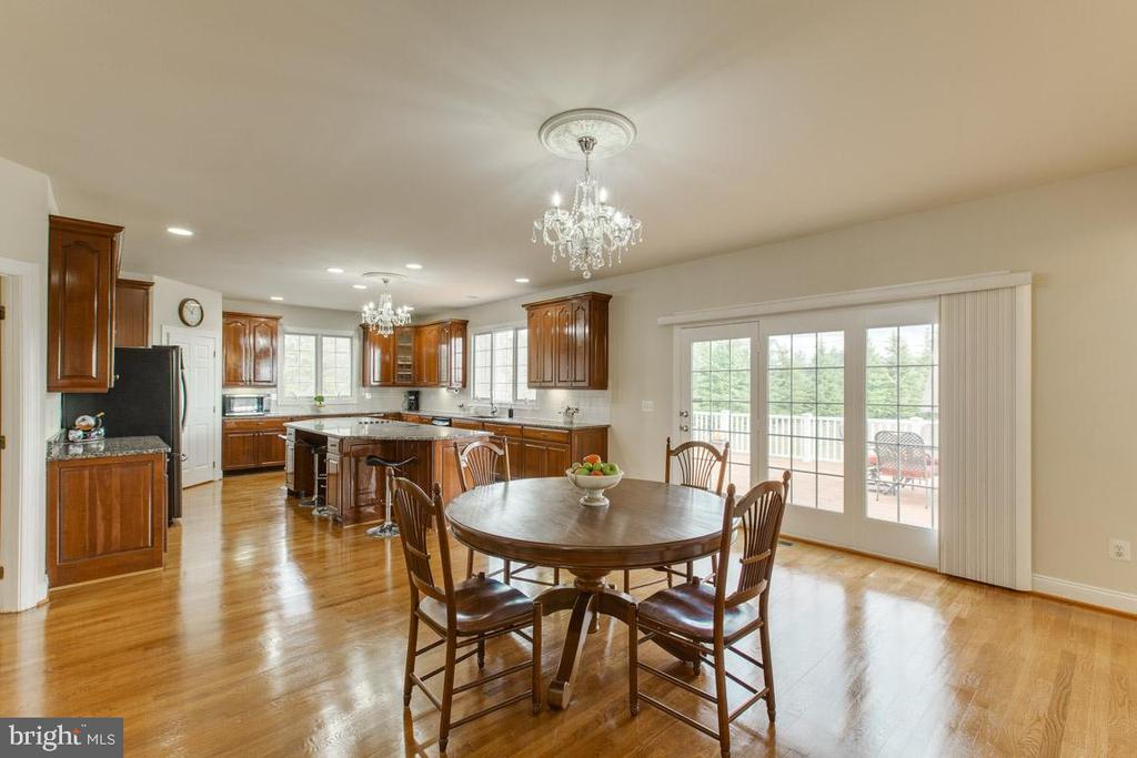 Alt view of large kitchen - 41205 CANONGATE DR, LEESBURG
