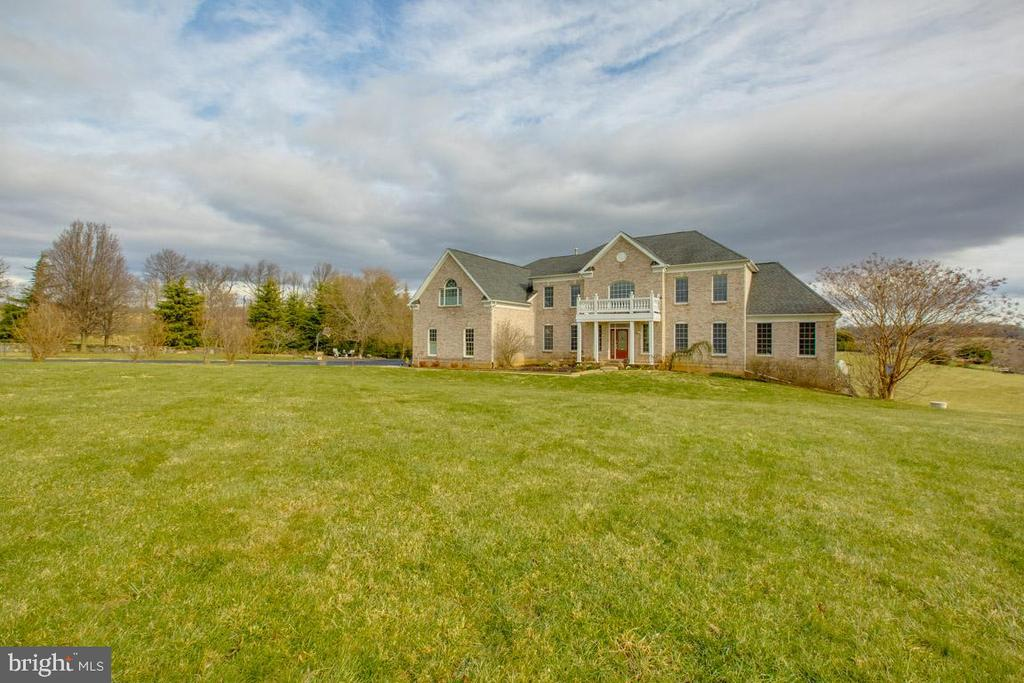 Alt view of front of home - 41205 CANONGATE DR, LEESBURG