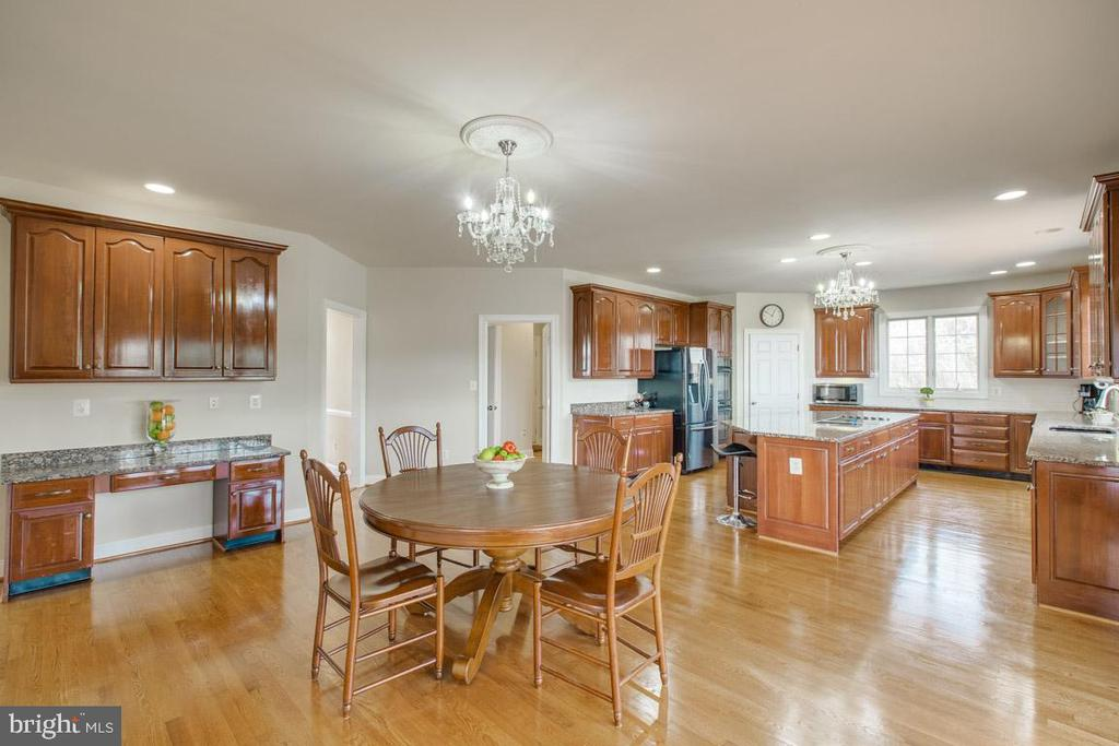 Alt view of kitchen - 41205 CANONGATE DR, LEESBURG