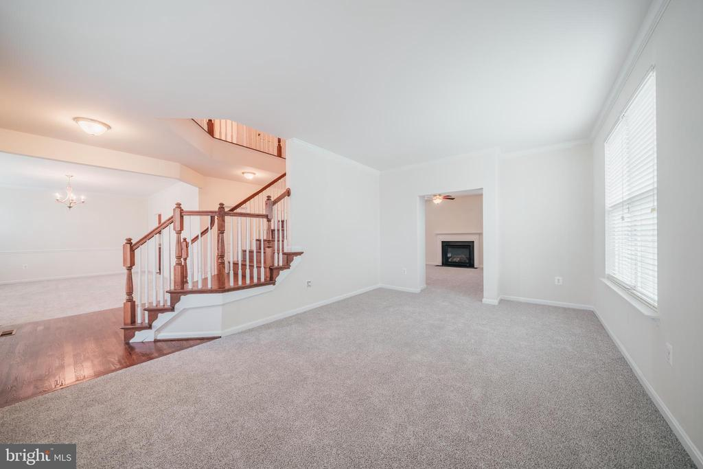 FORMAL LIVING RM - 2944 AMERICAN EAGLE BLVD, WOODBRIDGE
