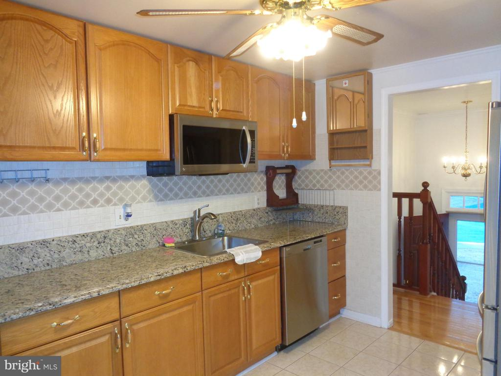 KITCHEN - 532 MERLINS LN, HERNDON