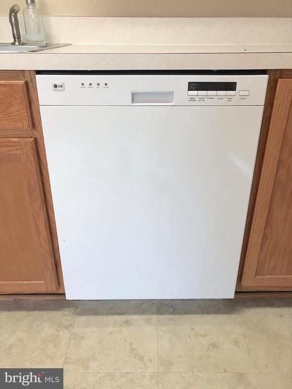 LG Dishwasher - 10503 GUILDERLAND CT, FREDERICKSBURG