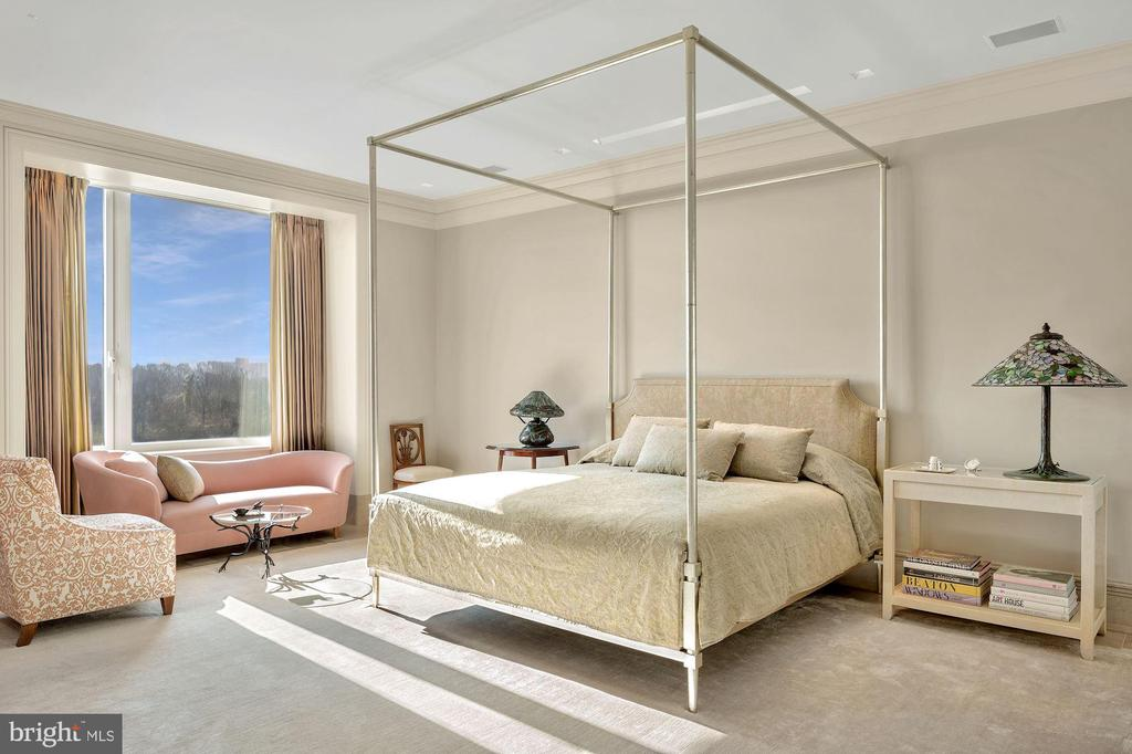 Expansive Primary Suite - 3150 SOUTH ST NW #PH2C & 1M, WASHINGTON