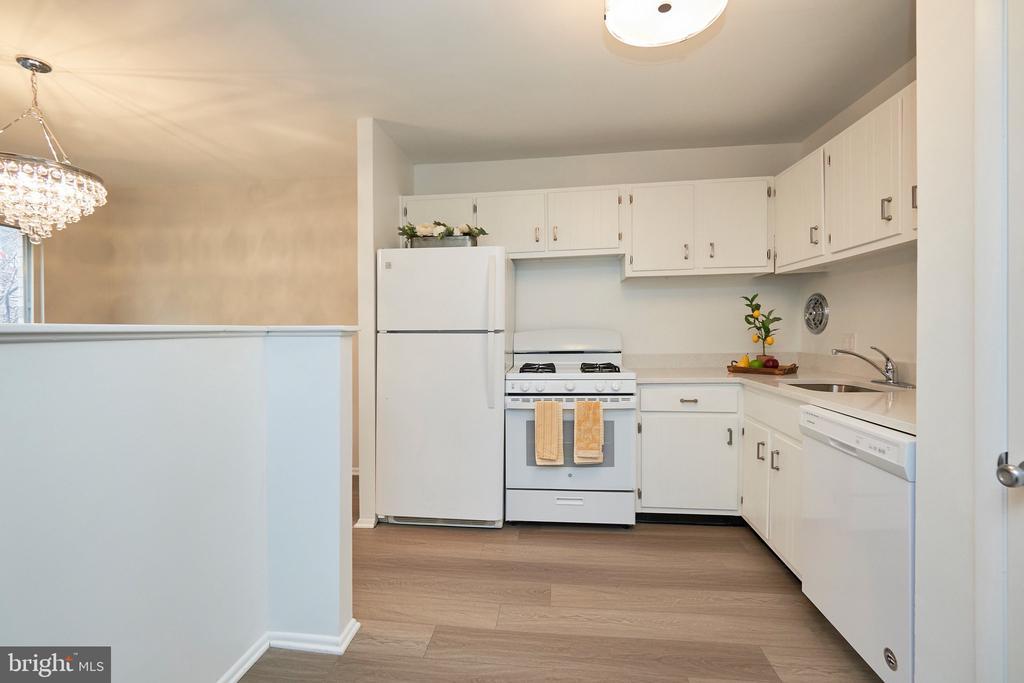 All New Appliances, in Trending White Kitchen. - 5009 7TH RD S #102, ARLINGTON