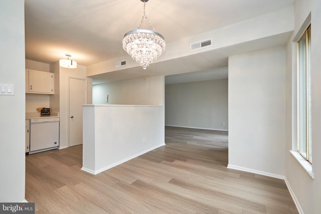 Great Flow from Kitchen, to Dining & Living Room. - 5009 7TH RD S #102, ARLINGTON