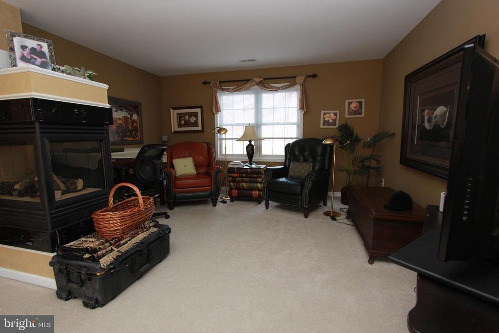 Owners Suite sitting room - 6951 JEREMIAH CT, MANASSAS