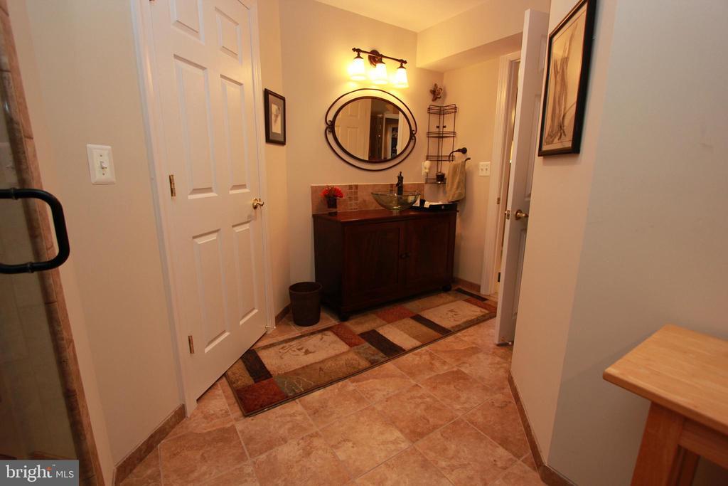 Lower Level Bathroom - 6951 JEREMIAH CT, MANASSAS