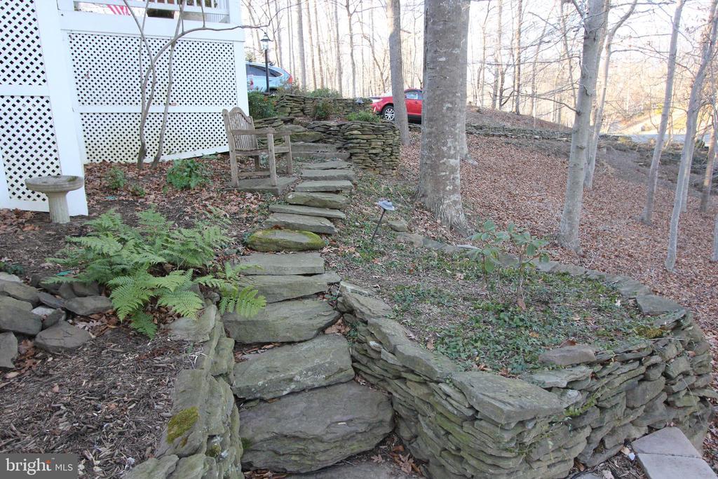 Stone Pathway - 6951 JEREMIAH CT, MANASSAS
