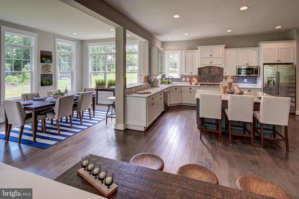 Spacious Kitchen w/ Morning Room(previous model) - 3283-A FOX MILL, OAKTON