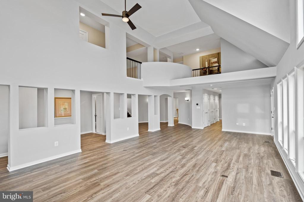 What a room! Two story great room - 38853 MOUNT GILEAD RD, LEESBURG