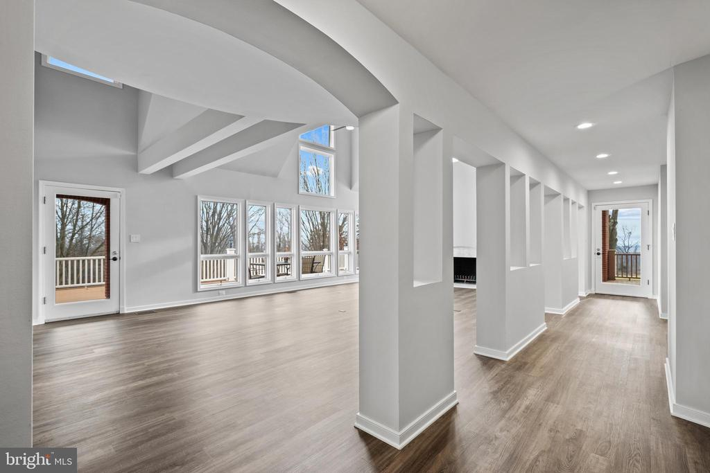 Gallery from entry leads to primary bedroom - 38853 MOUNT GILEAD RD, LEESBURG
