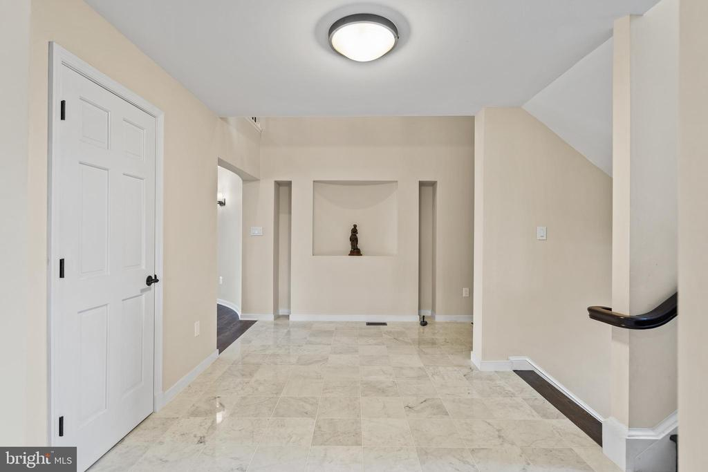 New, neutral paint throughout - 38853 MOUNT GILEAD RD, LEESBURG