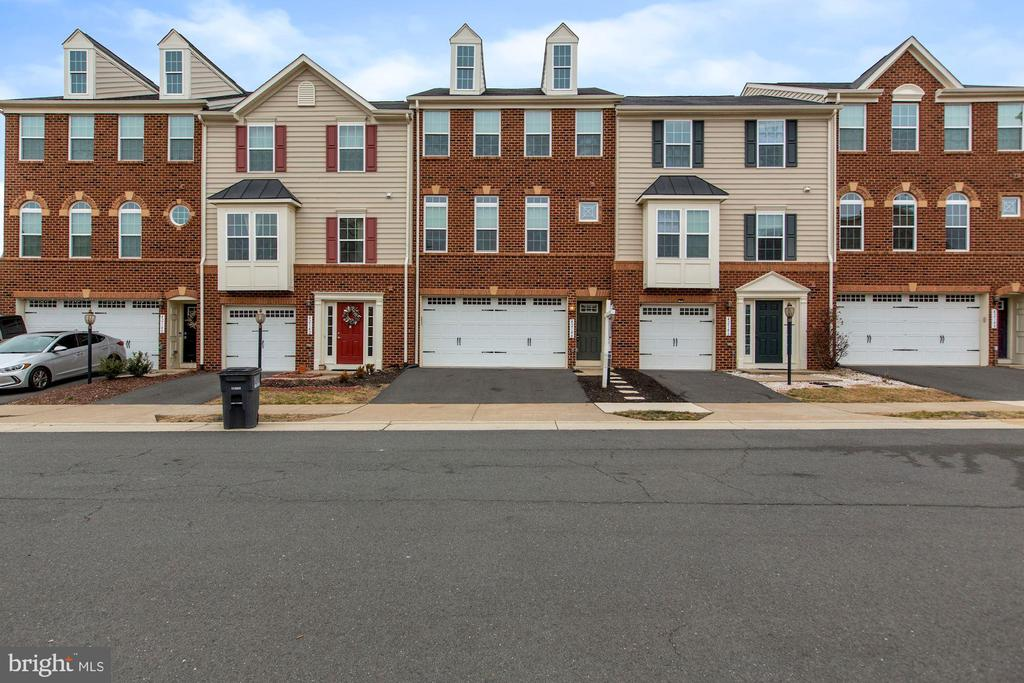 - 42144 SANDOWN PARK TER, ALDIE