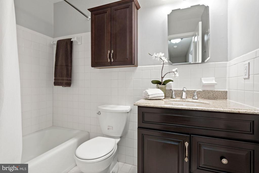 Renovated Hall Bath - 3145 14TH ST S, ARLINGTON