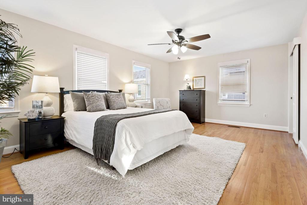 Large Primary Bedroom - 3145 14TH ST S, ARLINGTON