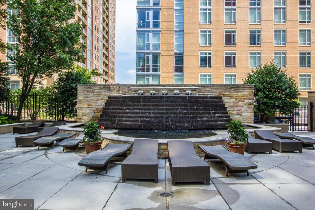 Fountain by Pool - 11990 MARKET ST #817, RESTON