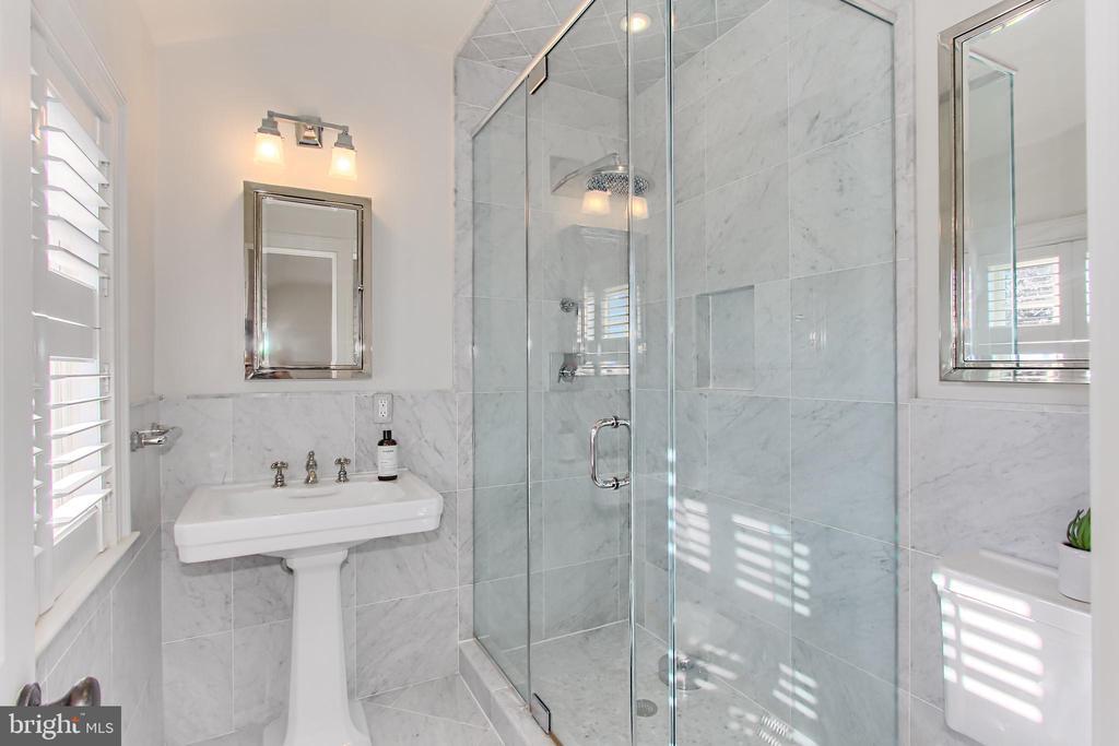Bedroom Three En Suite Bathroom - 2816 O ST NW, WASHINGTON