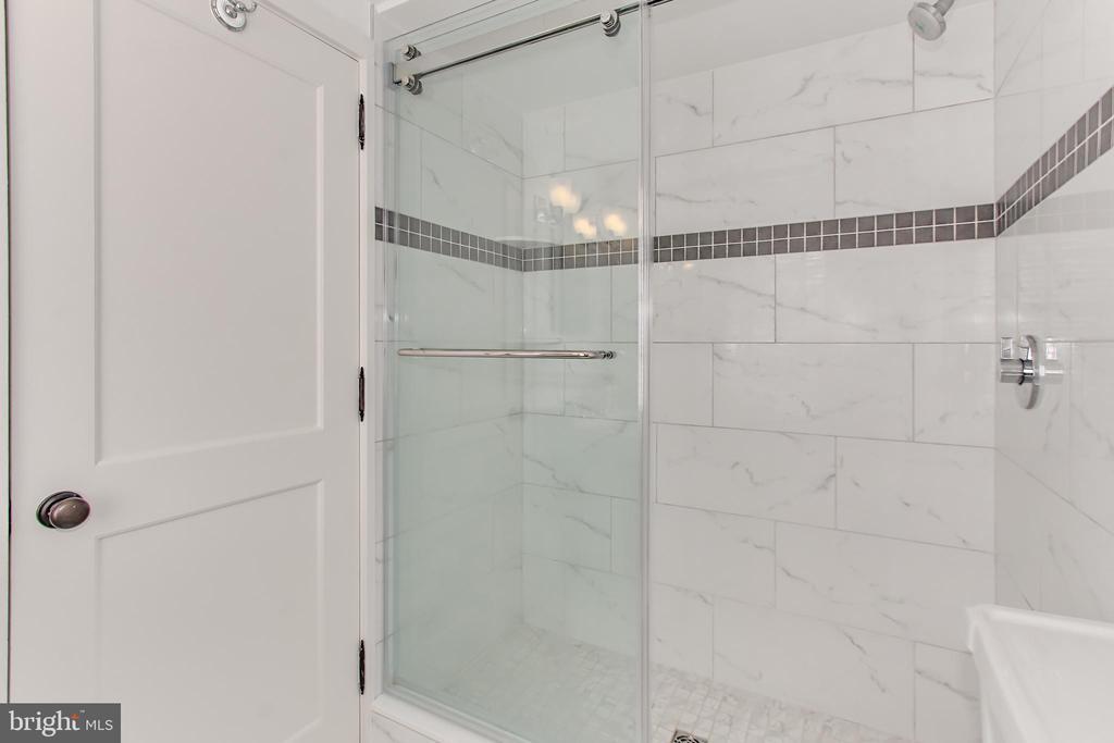 Bedroom Two/Family Room En Suite Bath - 2816 O ST NW, WASHINGTON