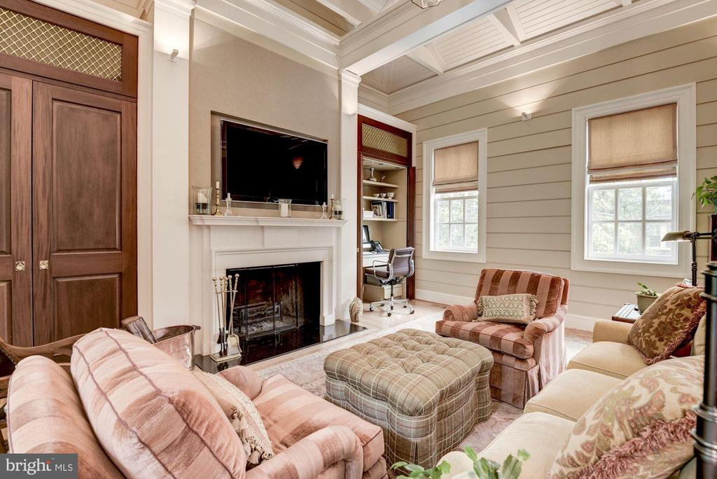 Renovated Pool House - 1691 34TH ST NW, WASHINGTON