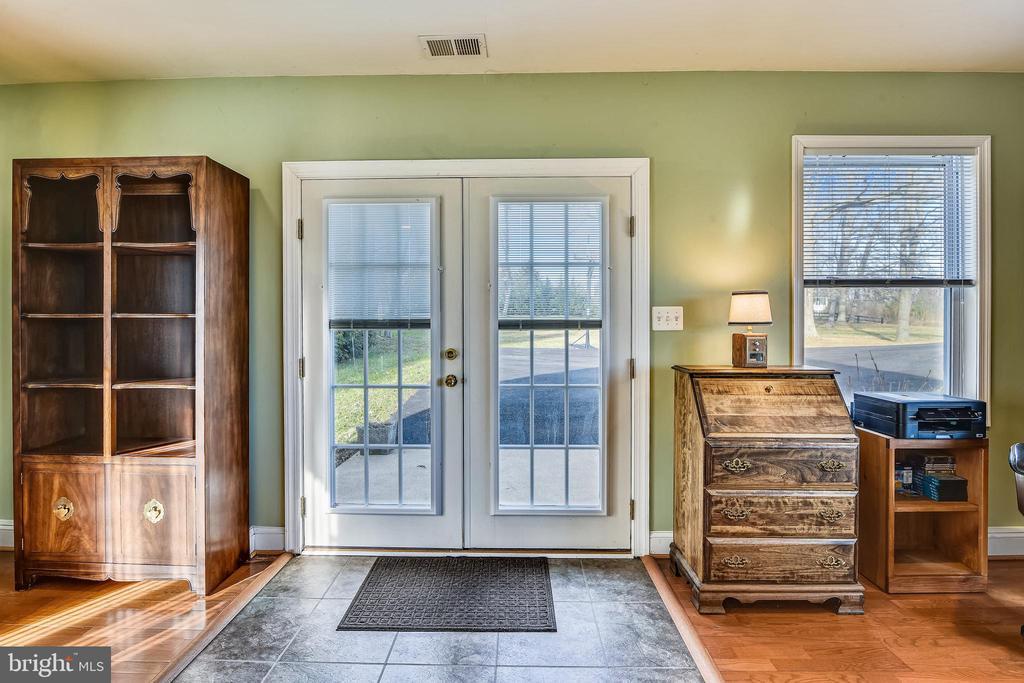 Guest House Entrance - 37195 KOERNER LN, PURCELLVILLE
