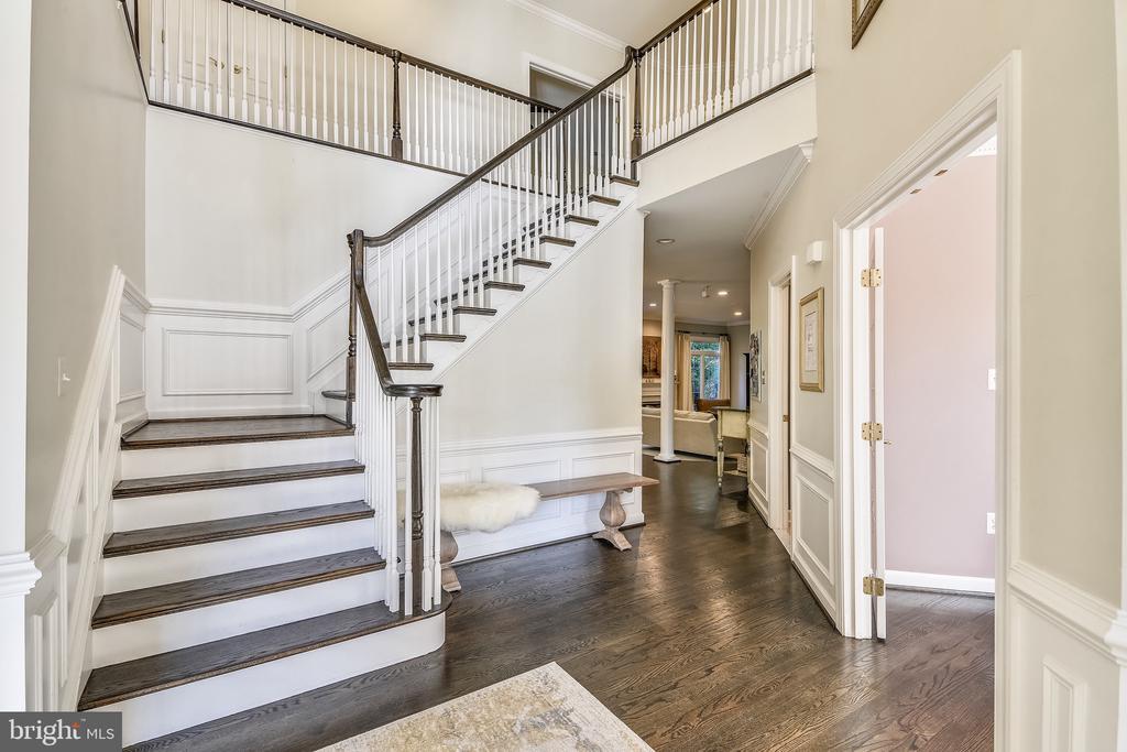 Entry: 2-story Foyer: Refinished Hardwoods (2019) - 20449 SWAN CREEK CT, POTOMAC FALLS